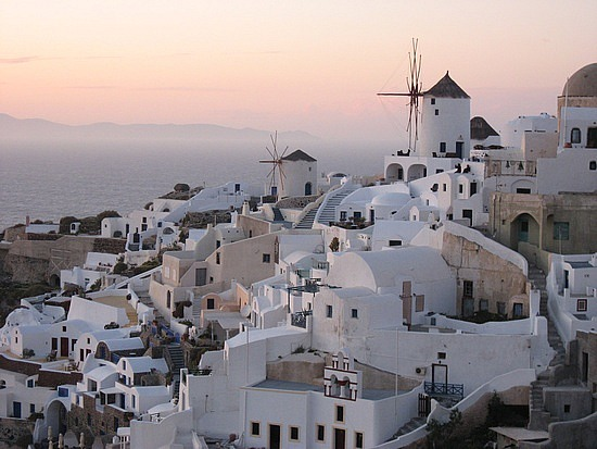 1_1270296303_sunset-in-oia-spectacular.jpg